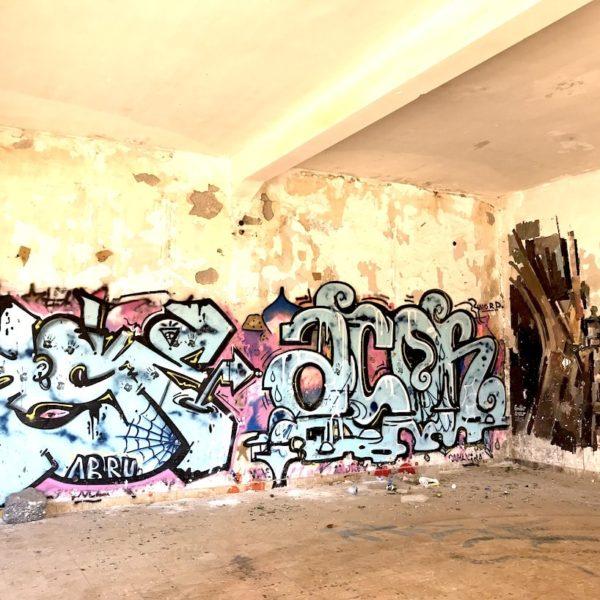 Abades Teneriffa Geisterstadt Graffiti innen