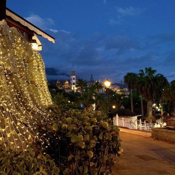 Abendbeleuchtung Costa Adeje Teneriffa