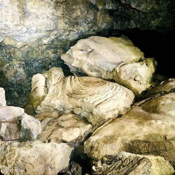 Abgebrochene Lava Cueva del Viento