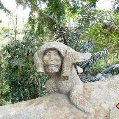Affen Skulptur im Affenwald Ubud