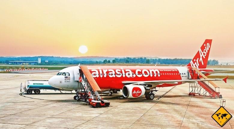 Air Asia Erfahrung - Flugzeug auf dem Rollfeld