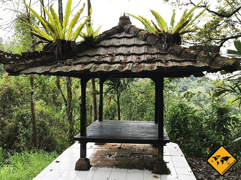 Air Terjung Nungnung Bali Gazebo