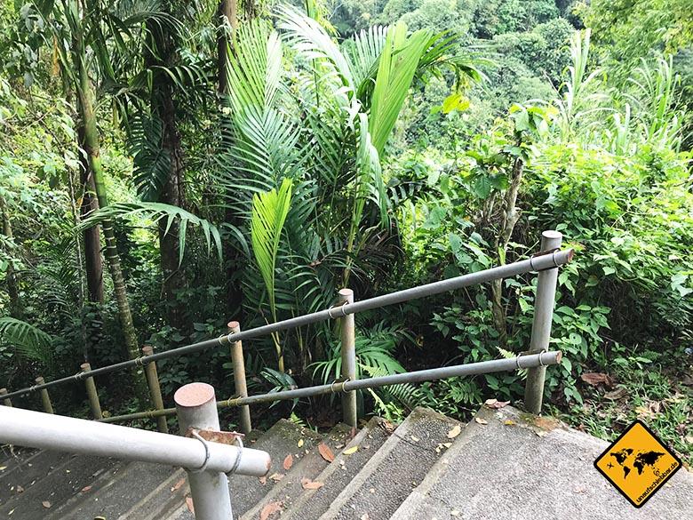 Air Terjung Nungnung Bali Treppen
