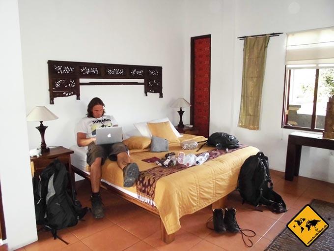 Airbnb Erfahrungen Amrit Bed and Breakfast Sandat Room Ubud Bali Schlafzimmer