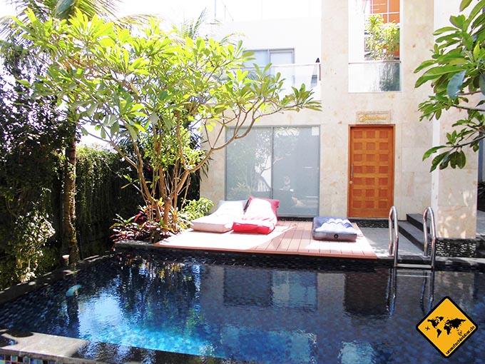 Airbnb Erfahrungen Echo Beach Canggu Bali Wohnzimmer Pool