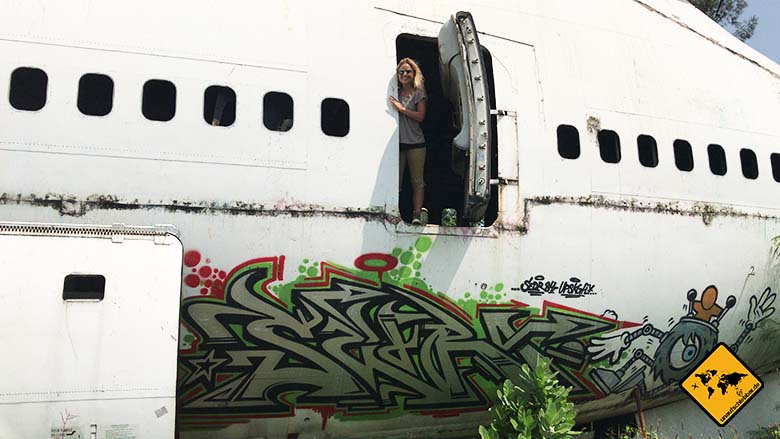 Airplane Graveyard Bangkok Großraum Maschine Tür