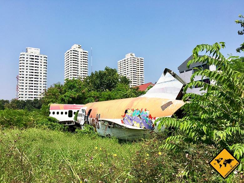 Airplane Graveyard Bangkok Lage