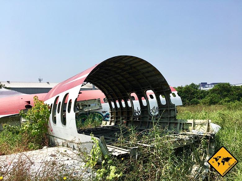Airplane Graveyard Flugzeugwrack