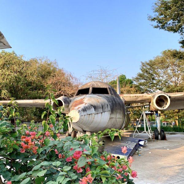 Altes Flugzeug Yangon Myanmar People's Park