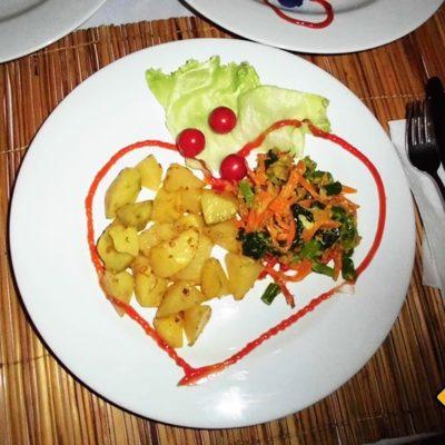 Amed Bali Indonesien Abendessen mit Liebe
