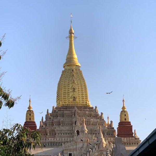Ananda Tempel Bagan Außenfassade