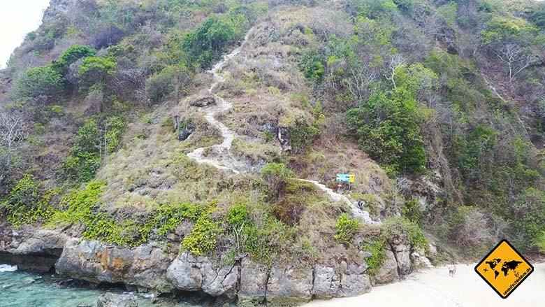 Atuh Beach Nusa Penida Treppen rechts
