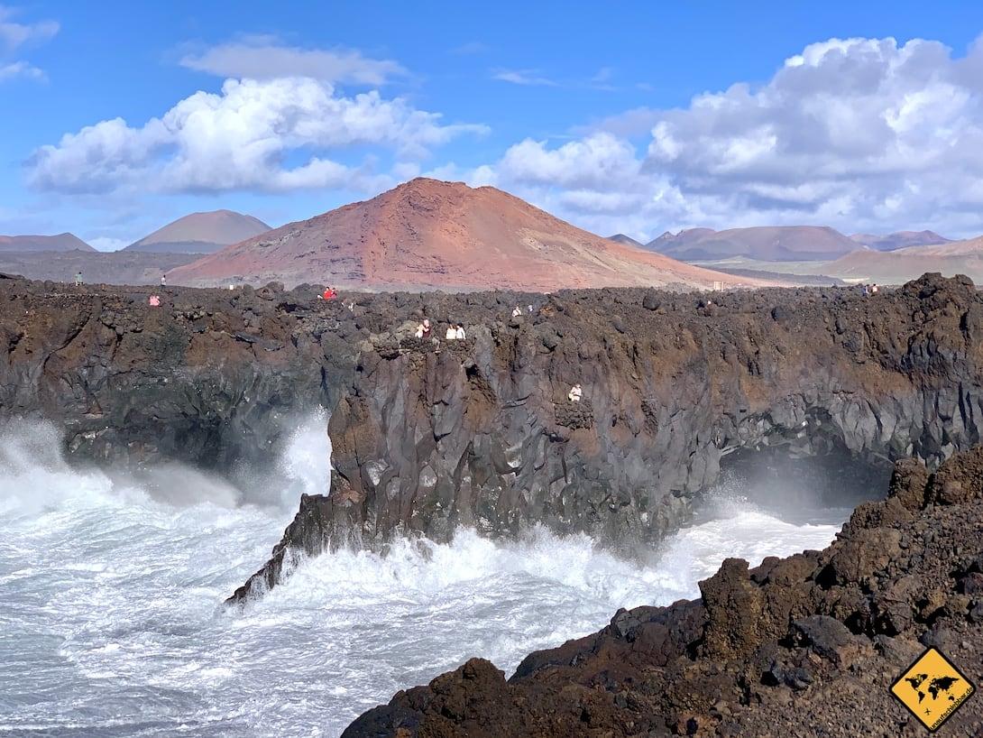 Ausflug Fuerteventura nach Lanzarote Los Hervideros Feuerberge