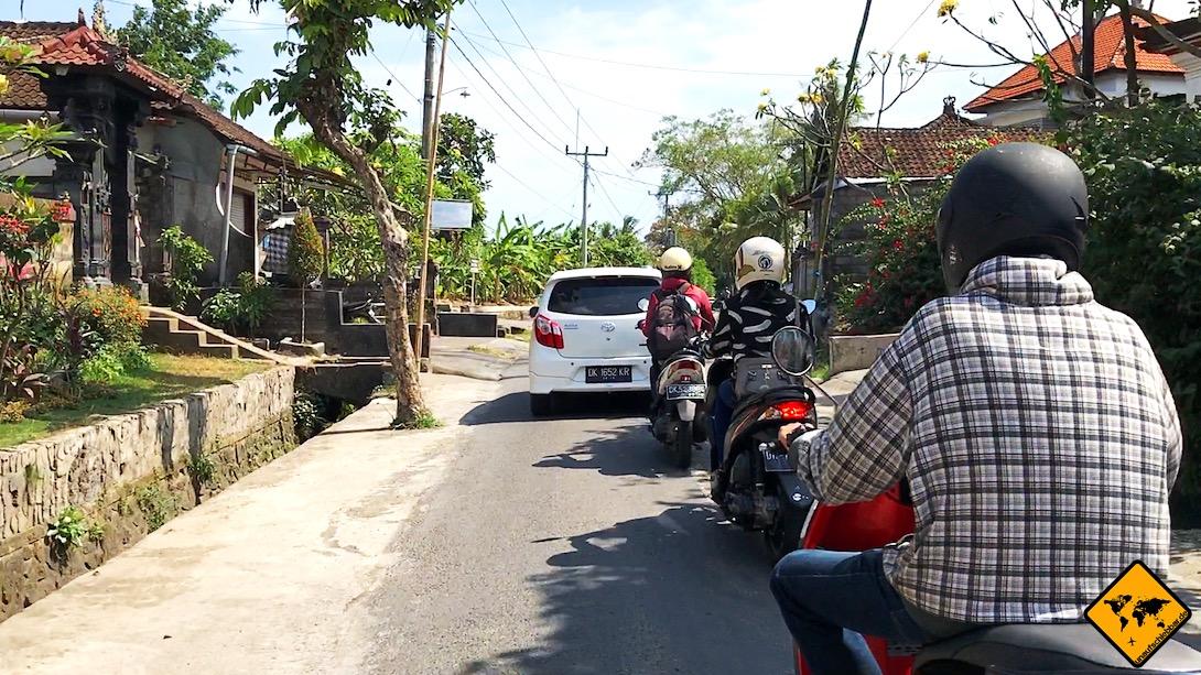 Mietwagen Bali: Polizeikontrollen kommen auf Bali eher selten vor. Falls doch, führen sie häufig zu Rückstaus auf den Straßen.