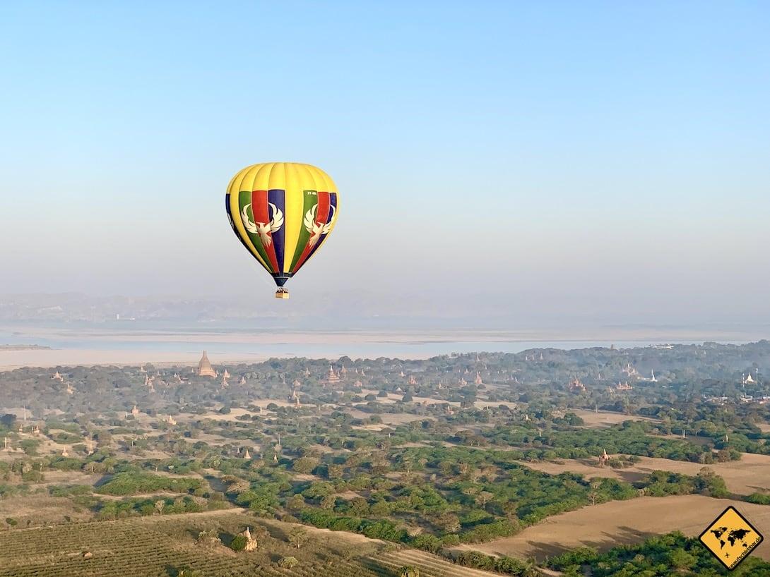Bagan Ballonfahrt Luftaufnahme