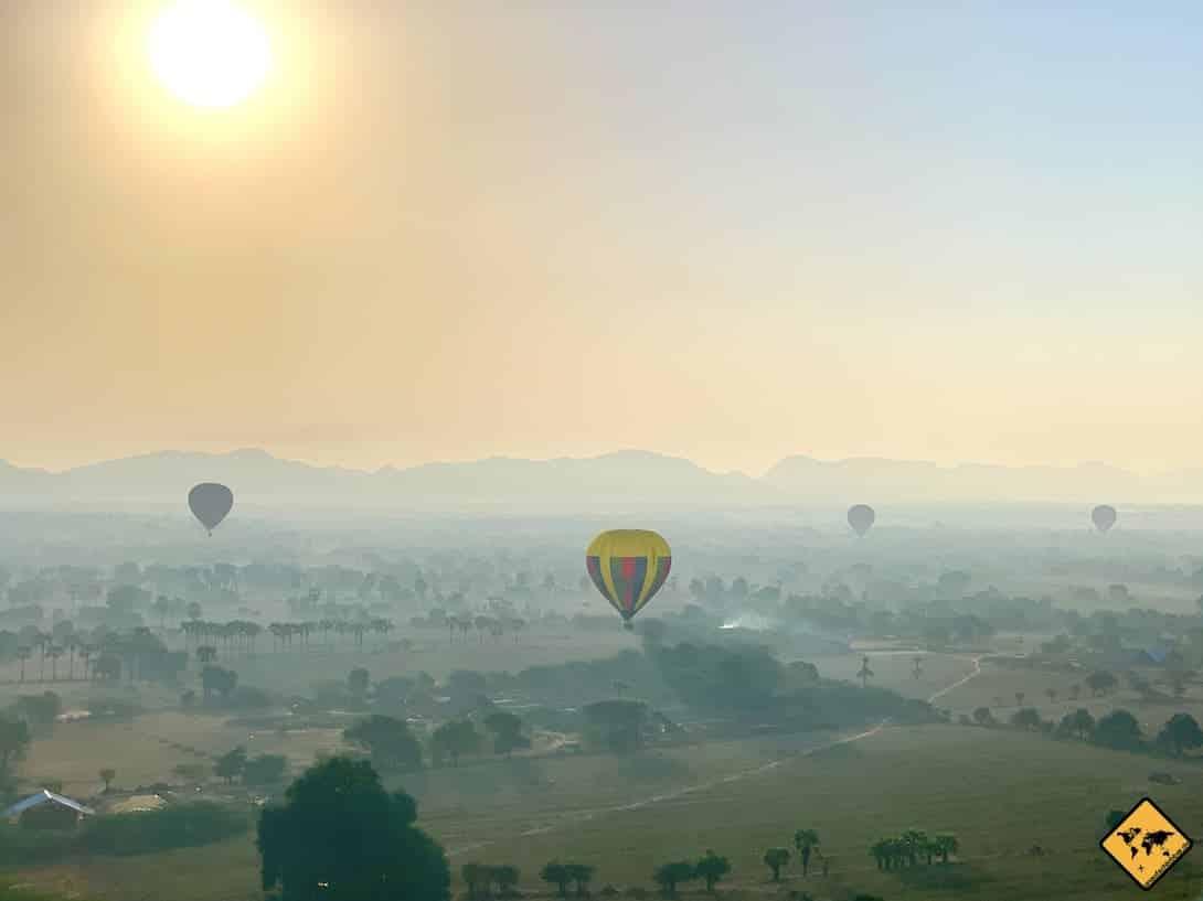 Bagan Sonnenaufgang Ballons