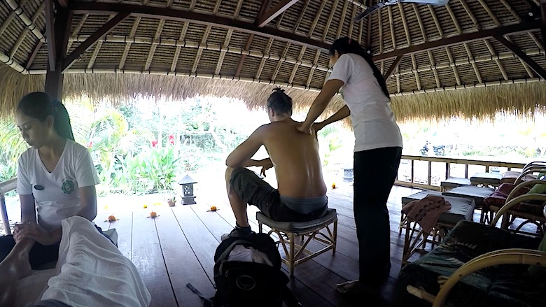 Bali Flitterwochen Partner Massage
