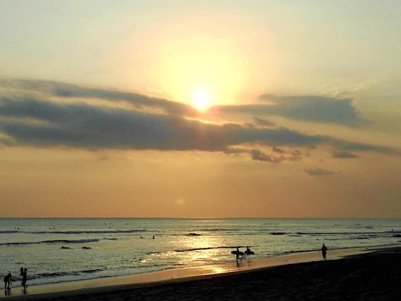 Bali Flitterwochen Sonnenuntergang Canggu