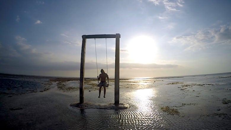 Bali Flitterwochen schaukeln am Strand