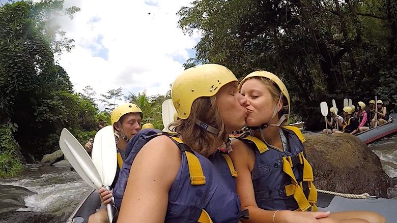 Bali Honeymoon Wildwasser Rafting