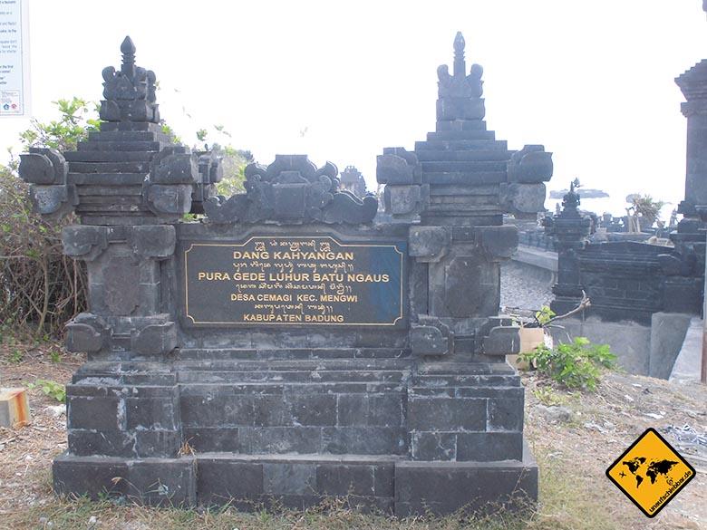 Bali Sehenswürdigkeiten top 10 Pura Gede Luhur Batu Ngaus Schild