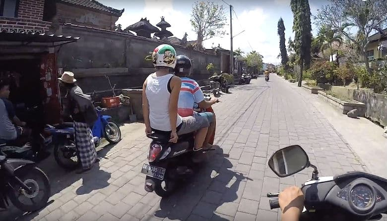 Bali Taxi Roller