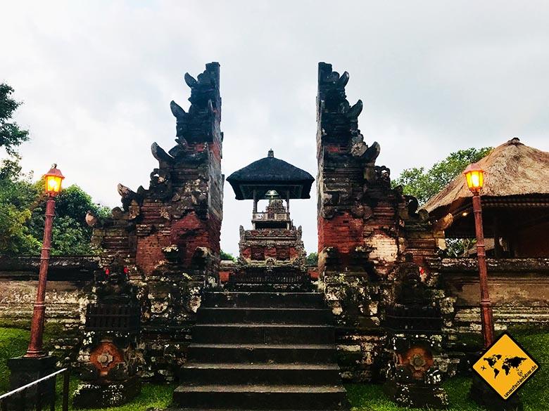 Bali Tempel gespaltenes Tor