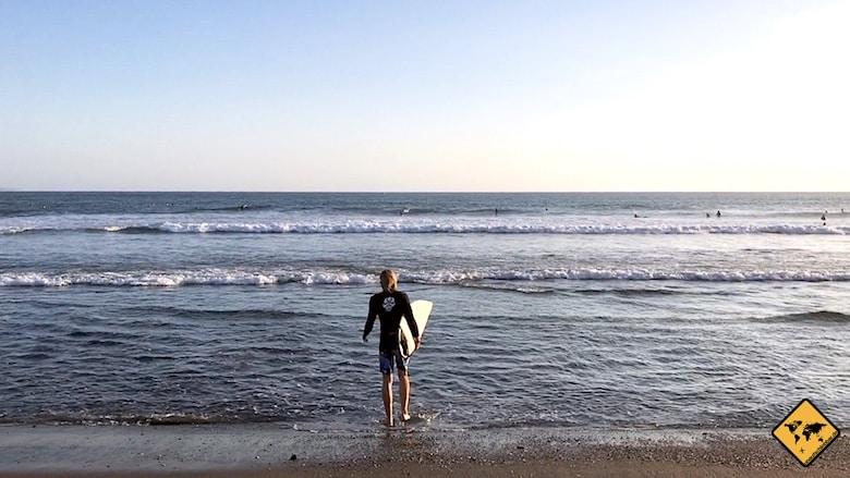 Bali Urlaub Kosten Surfbrett