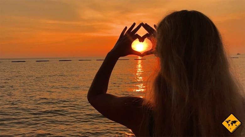 Bali oder Thailand Sonnenuntergang