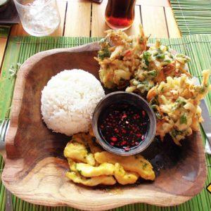 Balinesisches Essen zählt definitiv zu unseren Top Bali Rundreise Tipps