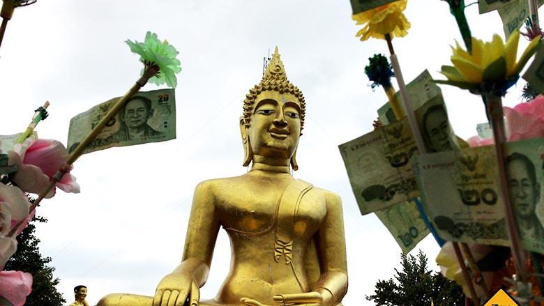 Big Buddha Pattaya Blumen Geld