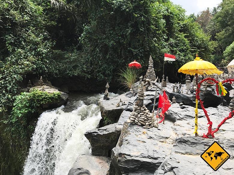 Blangsinga Waterfall Spitze Tegenungan