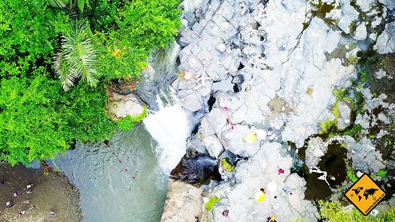 Blangsinga Waterfall Tegenungan von oben