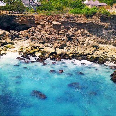 Blue Lagoon Ceningan aus Meersicht
