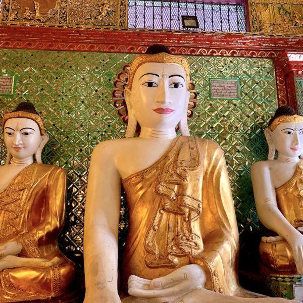 Buddha Figuren Shwedagon Pagode Myanmar