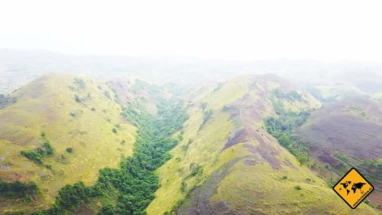 Bukit Teletubbies Nusa Penida Landschaft
