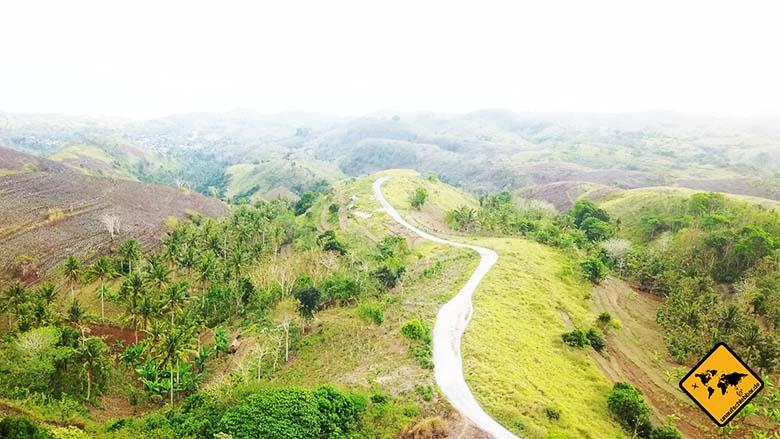 Bukit Teletubbies Nusa Penida Straße