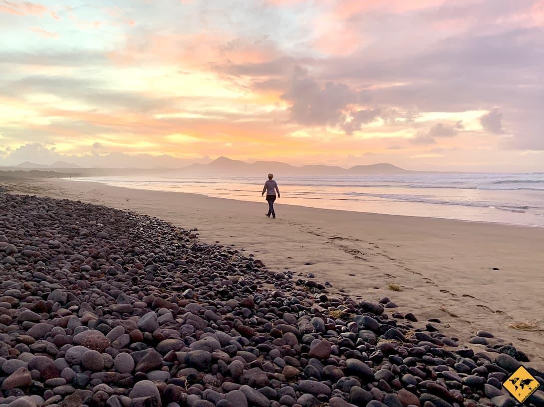 Caleta de Famara Spaziergang am Meer