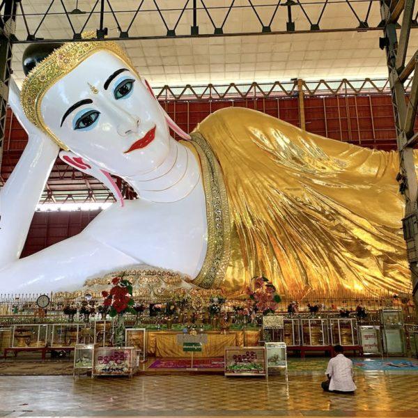 Chauk Htat Kyi Pagode Buddha Figur Yangon