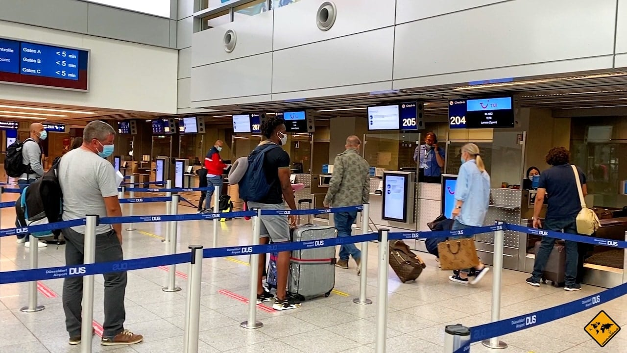 Corona Flughafen Check-in