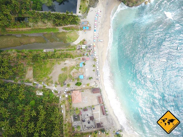 Crystal Bay Beach Nusa Penida VogelperspektiveCrystal Bay Beach Nusa Penida Toiletten