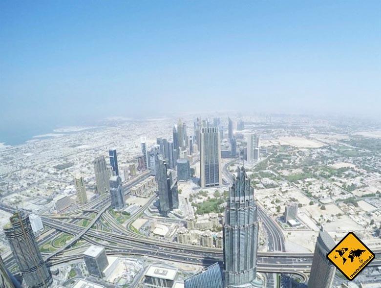 Die Burj Khalifa Aussichtsplattform bietet einen 360 Grad Blick auf Dubai