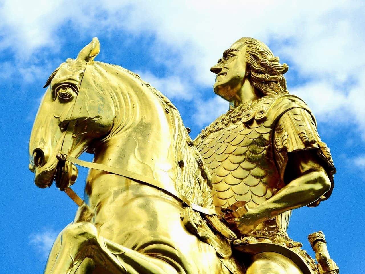 Dresden Sehenswürdigkeiten Statur Goldener Reiter