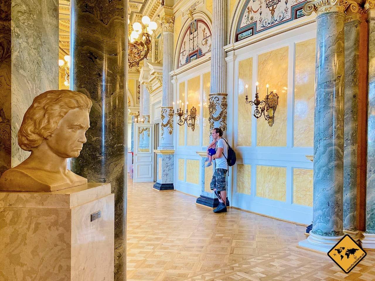 Dresden bei Regen Führung Semperoper