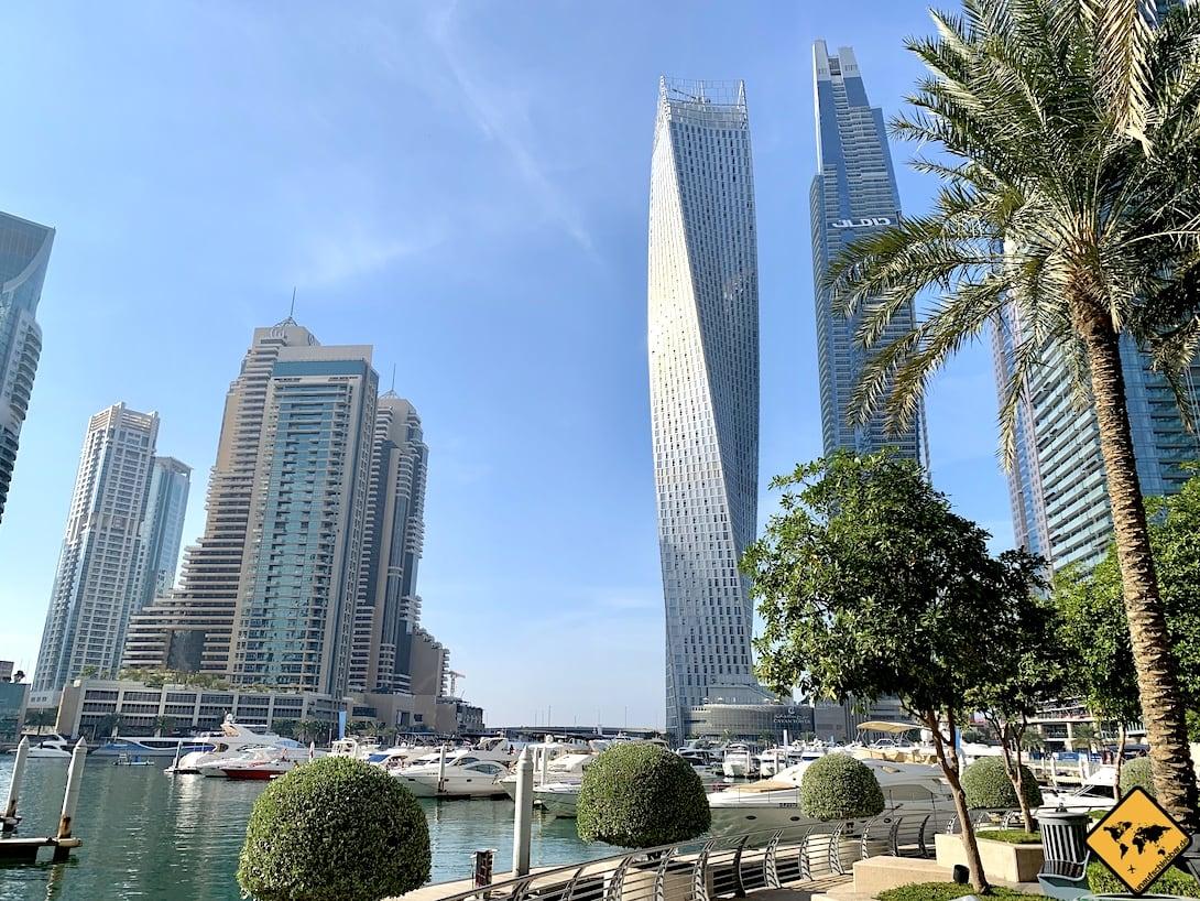 Dubai Marina Cayan Tower