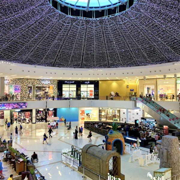 Dubai Marina Mall Lichternetz