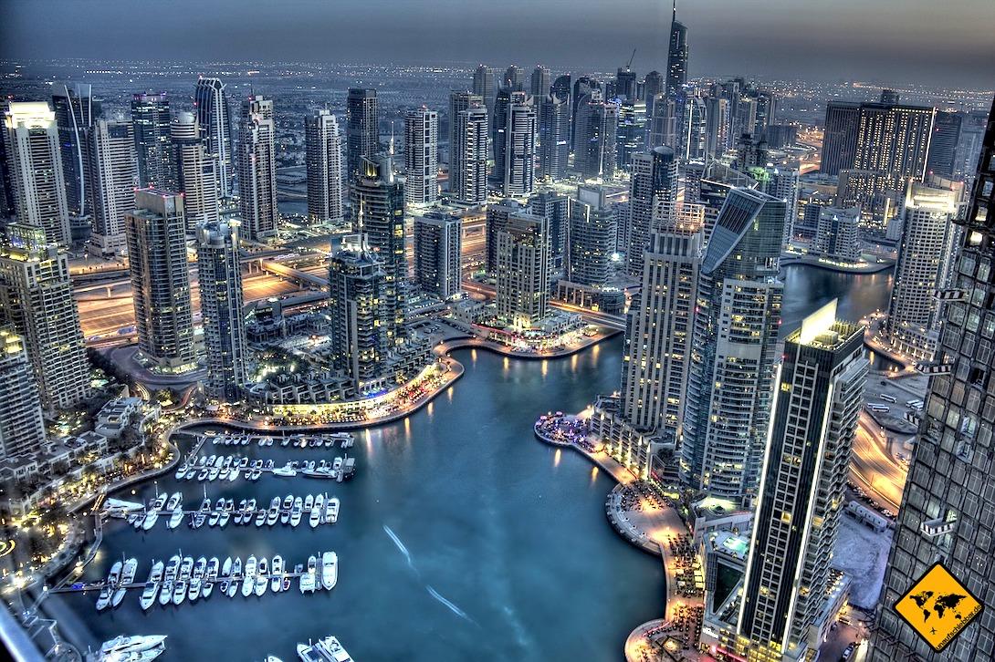 Dubai Marina Skyline Abend