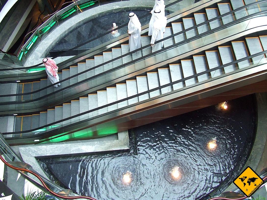 Dubai Shopping Mall Locals Rolltreppe