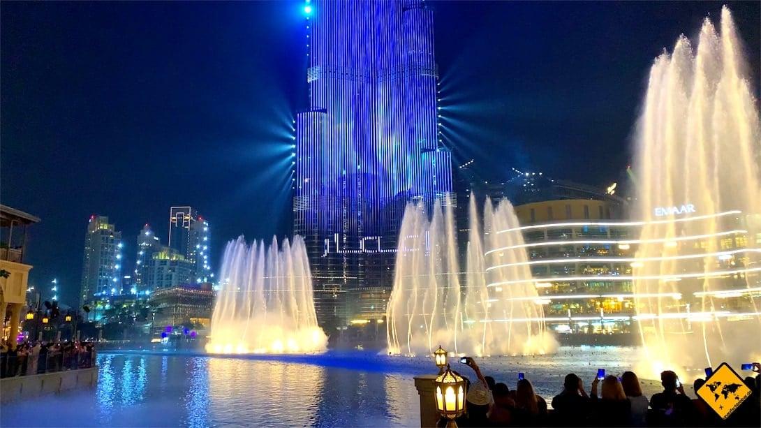Dubai Wasserspiele beleuchtet