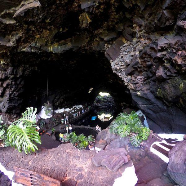 Eingang Höhle Jameos del Agua Lanzarote